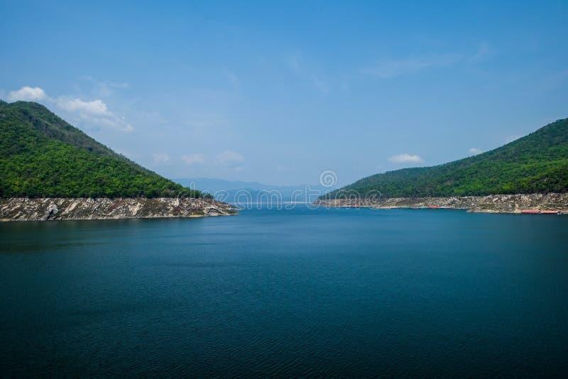 Reservior de barrage de Bhumibol photographie stock libre de droits