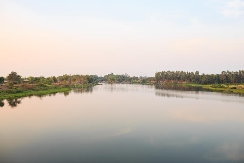 Reservoir en Dam stock afbeelding