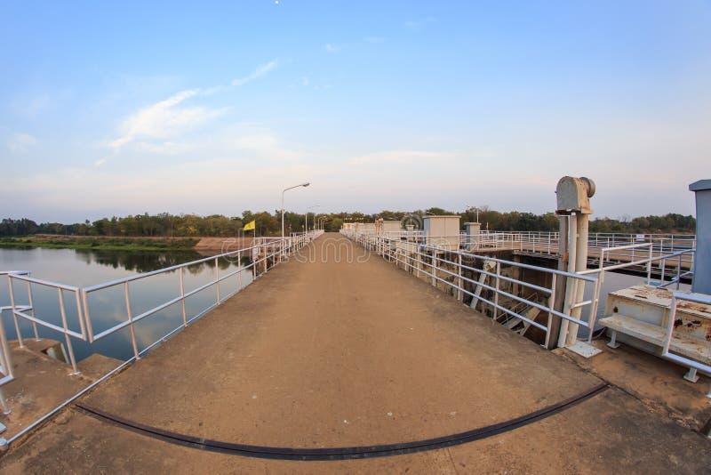Reservoir en Dam stock afbeeldingen
