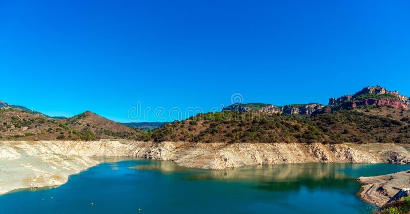 Reservoir Pantano De Siurana,塔拉贡纳,西班牙 复制文本的空间 免版税图库摄影