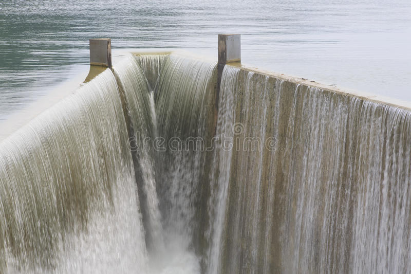 Reservoirabflusskanal Lizenzfreie Stockfotografie