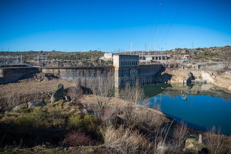 Reservoire zuzeiten der Dürre in Zamora Spanien stockbilder