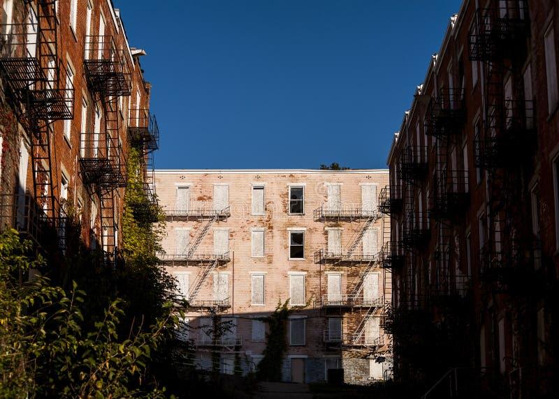 Residencias Glencoe-castañas abandonadas - Cincinnati, Ohio imagen de archivo libre de regalías