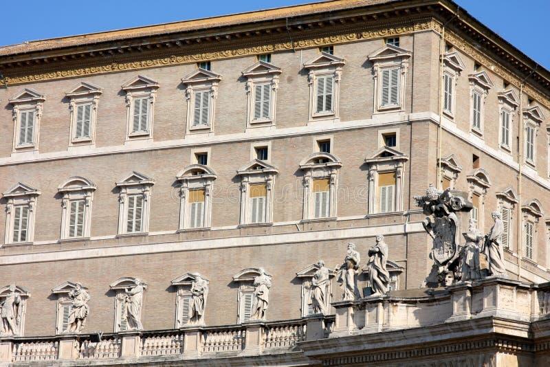 Residense apostólico del palacio, del papa y ventana fotografía de archivo