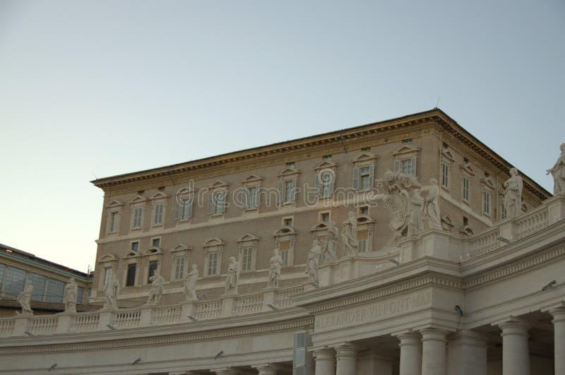 Residense apostólico del palacio, del papa s y ventana foto de archivo libre de regalías