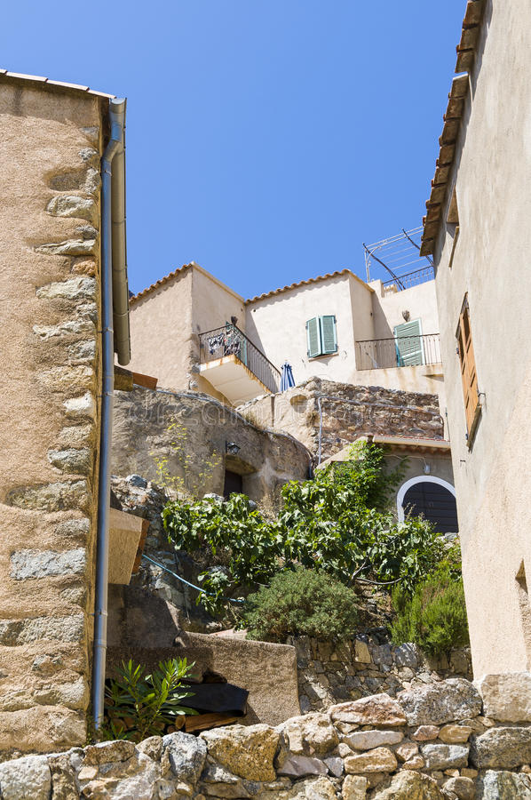 Residentual budynki Sant'Antonino Corsica obraz stock