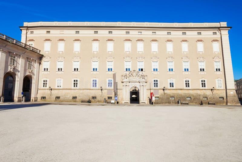 Residenz宫殿, Residenzplatz萨尔茨堡 免版税库存照片