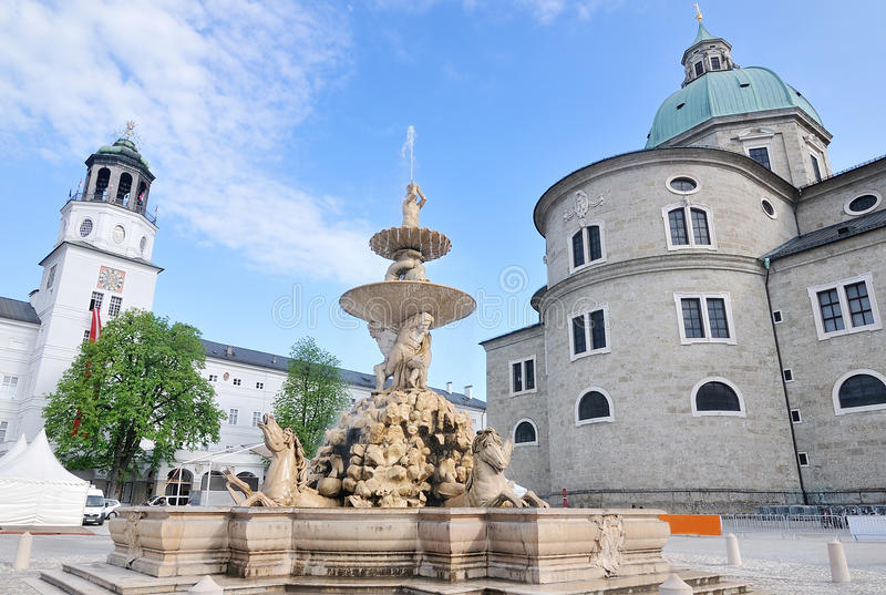 Residenzplatz的Residenz广场在萨尔茨堡 库存照片