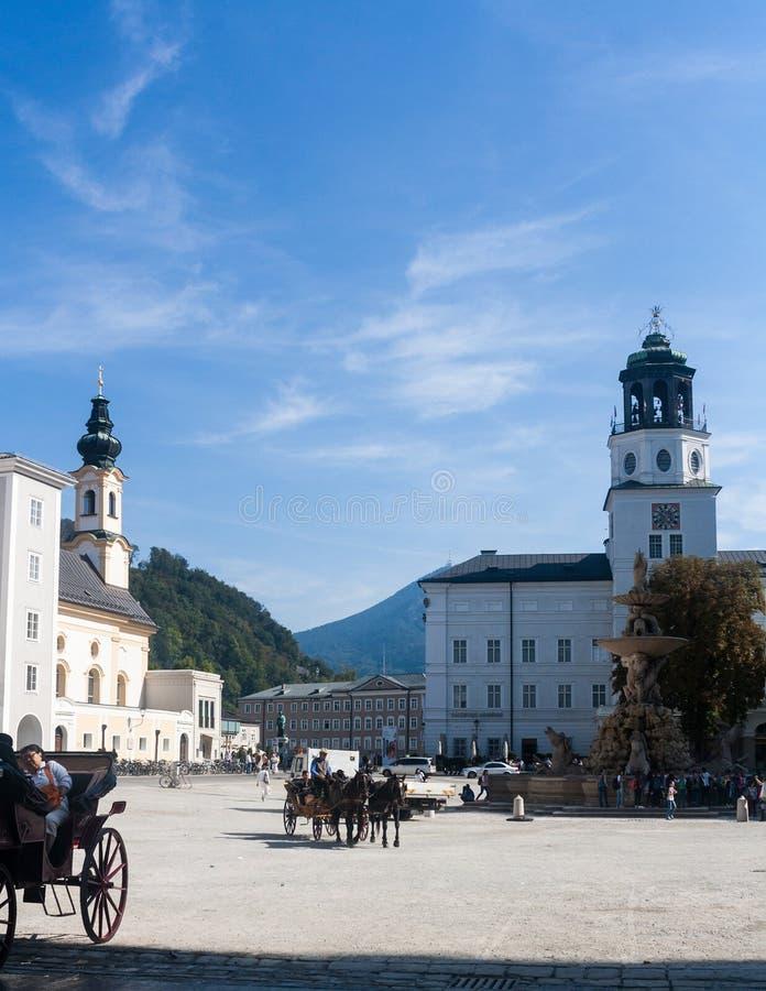 Residenzplatz - główny plac Salzburg, Austria zdjęcia stock