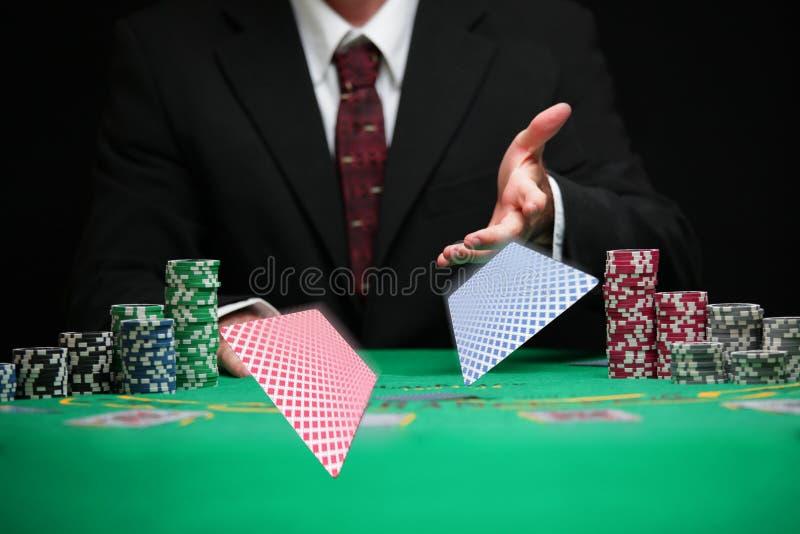 Respektabla kort för kasinoarbetarportion royaltyfria foton