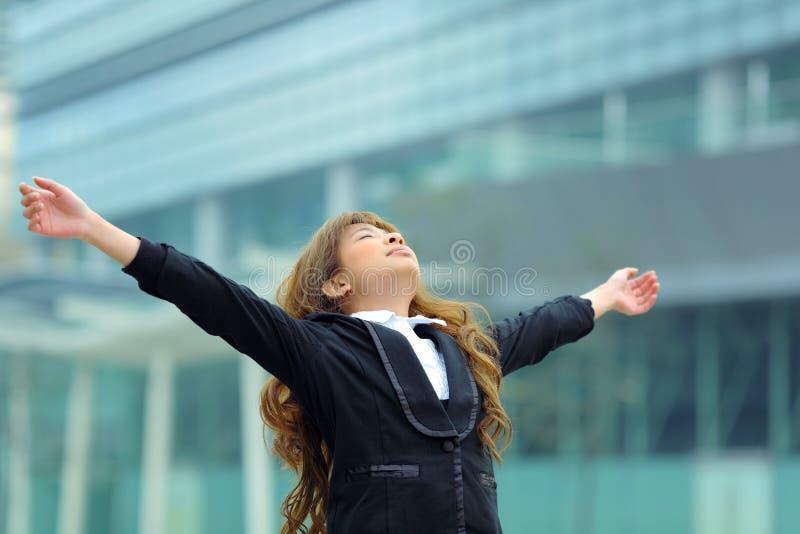 Respiração da mulher de negócio imagens de stock