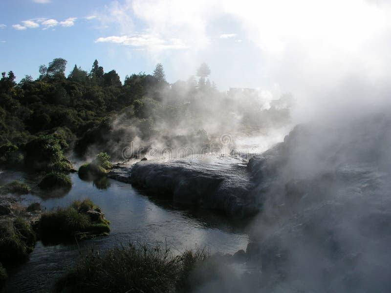 Respiraderos geotérmicos imagenes de archivo