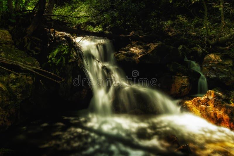 Download Resplandor de la cascada foto de archivo. Imagen de lento - 42428960