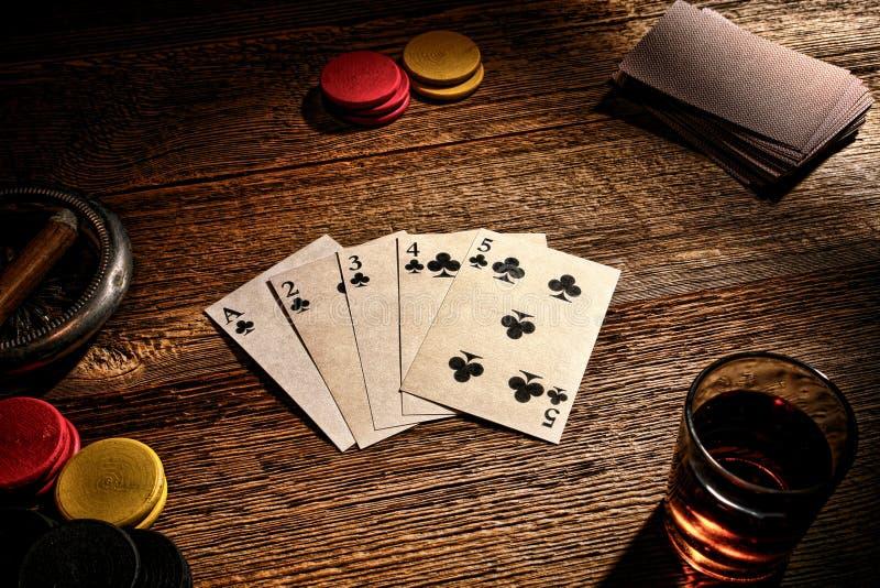 Resplendor reto do jogo de pôquer velho ocidental americano do bar imagem de stock