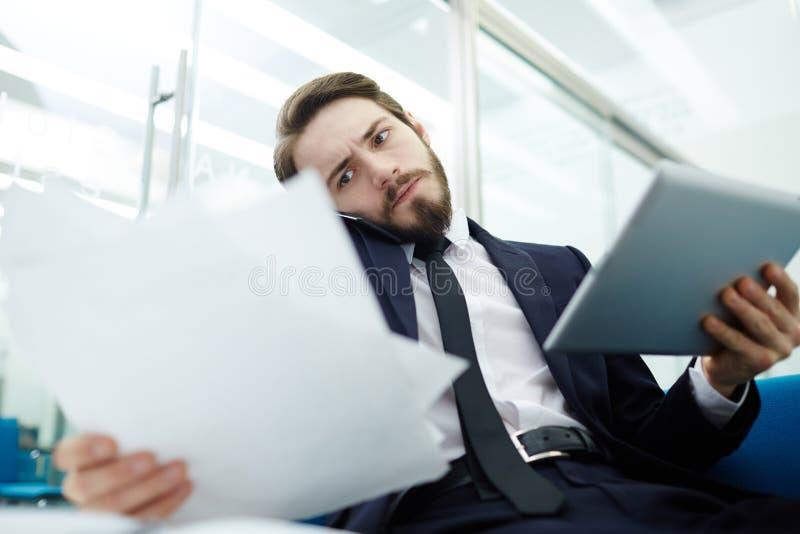 Responsabile di ufficio occupato immagini stock libere da diritti