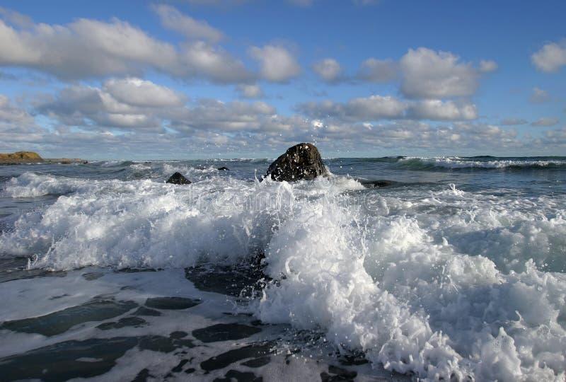 Download Ressaca & nuvens 6 foto de stock. Imagem de água, surf - 69726