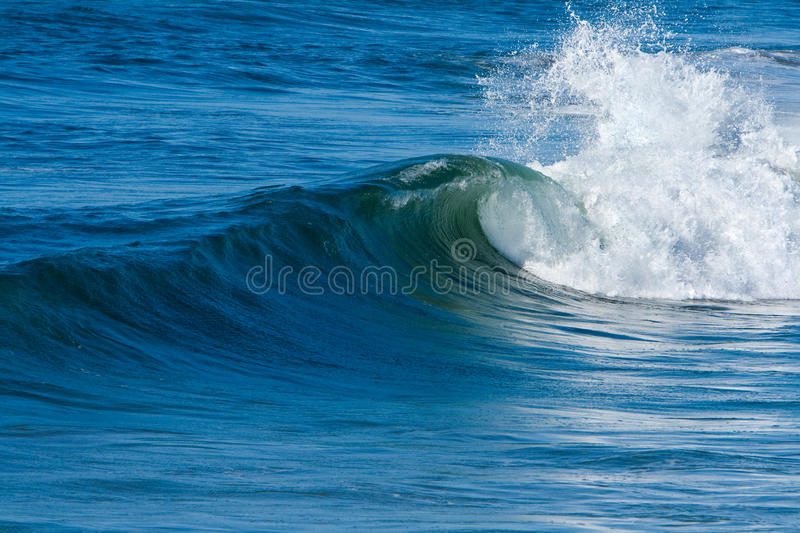 Ressaca e ondas do oceano foto de stock royalty free