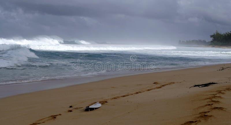 Ressaca norte da costa de Oahu fotografia de stock royalty free