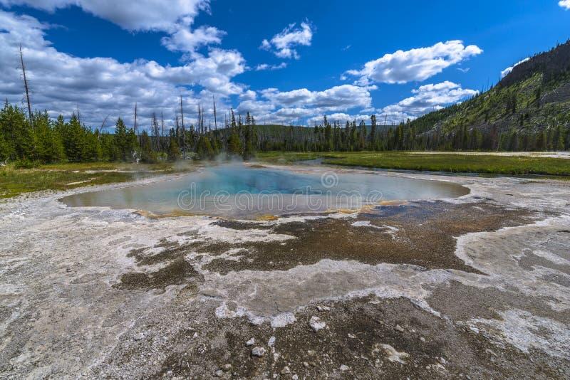 Ressort vert, bassin noir de sable, bassin supérieur du sud-ouest de geyser, photos libres de droits