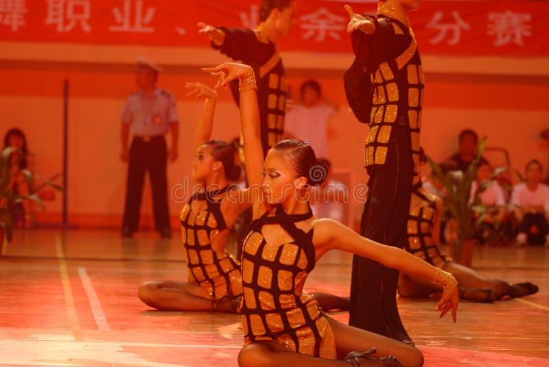 Ressortissant de danse de norme internationale de la Chine Nan-Tchang de posture ouvert photographie stock