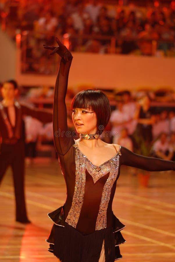 Ressortissant de danse de norme internationale de la Mince-Chine Nan-Tchang ouvert photos libres de droits