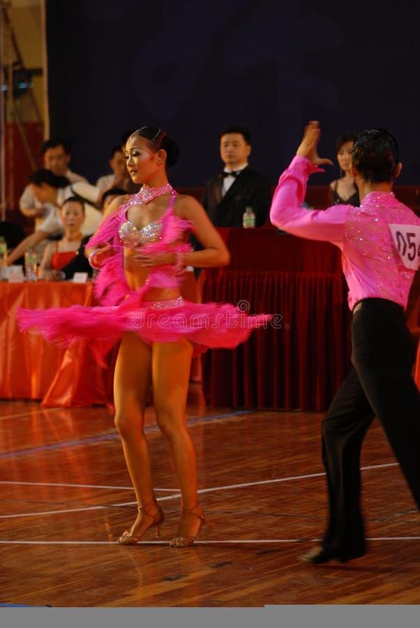 Ressortissant de danse de norme internationale de la mouche-Chine Nan-Tchang de jupe ouvert images libres de droits