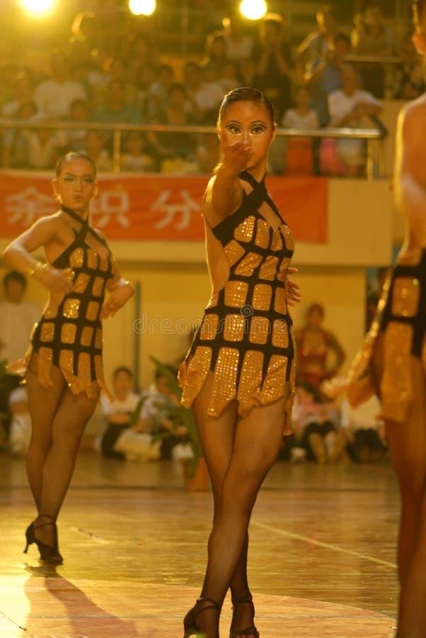 Ressortissant de danse de norme internationale de la Rédiger-Chine Nan-Tchang ouvert images stock