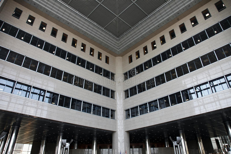 Ressortissant et bibliothèque universitaire à Zagreb image libre de droits