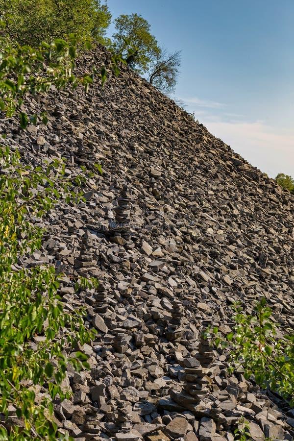 Rest av basaltpoler i det ungerska berget Badacsony fotografering för bildbyråer