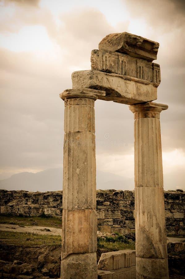 Rest av en tidigare civilisation i Laodicea royaltyfri foto
