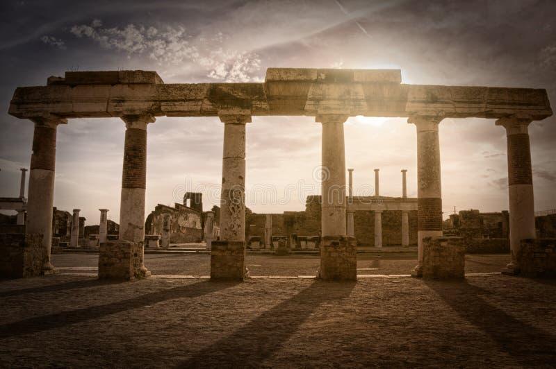 Rest av forumet i Pompeii, Italien fotografering för bildbyråer