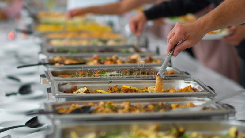 Restauração culinária do jantar do bufete da culinária que janta o conceito do partido da celebração do alimento foto de stock