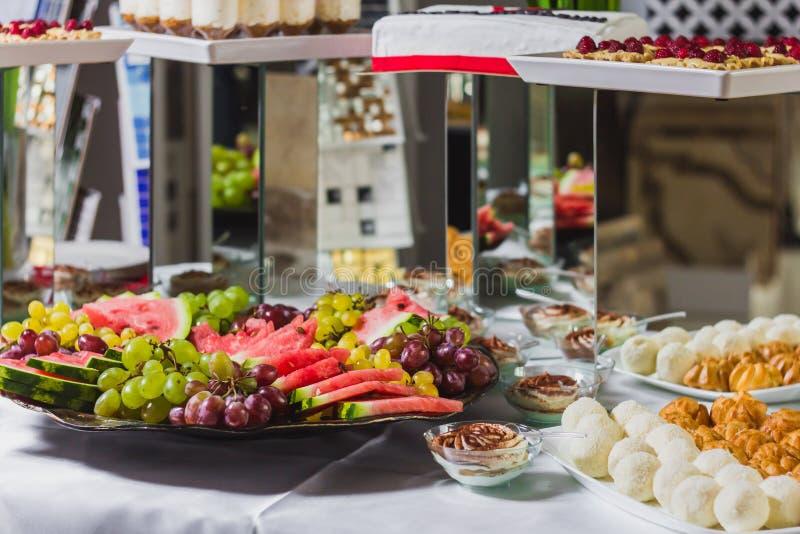 Restauração e alimento para o casamento e os eventos imagens de stock