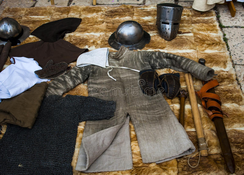Restauração histórica de lutas cavalheirescos no festival do medieva imagem de stock royalty free