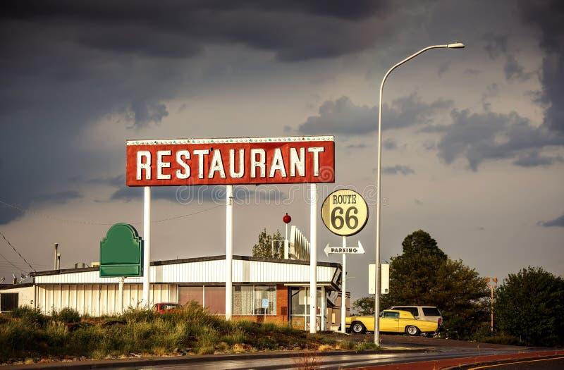 Restauracja znak wzdłuż trasy 66 obraz royalty free
