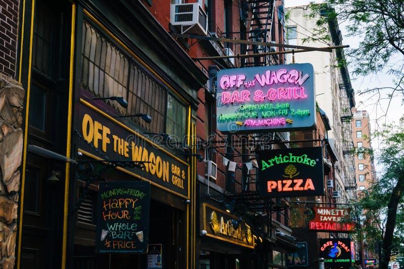 Restauracje i bary na Macdougal ulicie w greenwichu village, Manhattan, Miasto Nowy Jork obrazy royalty free