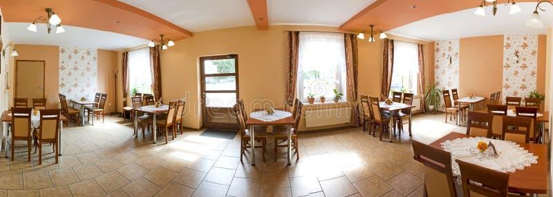 Restauracyjny wnętrze - panoramiczny widok zdjęcia stock