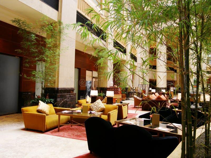 restaurang för hotelllobbylyx arkivbilder