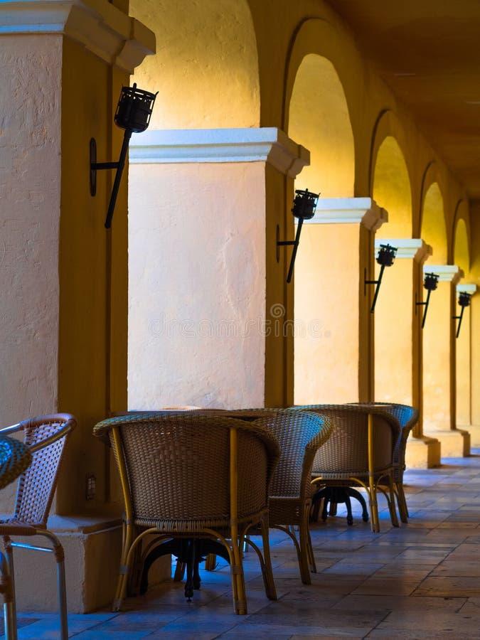 Restaurang med kolonner arkivfoto
