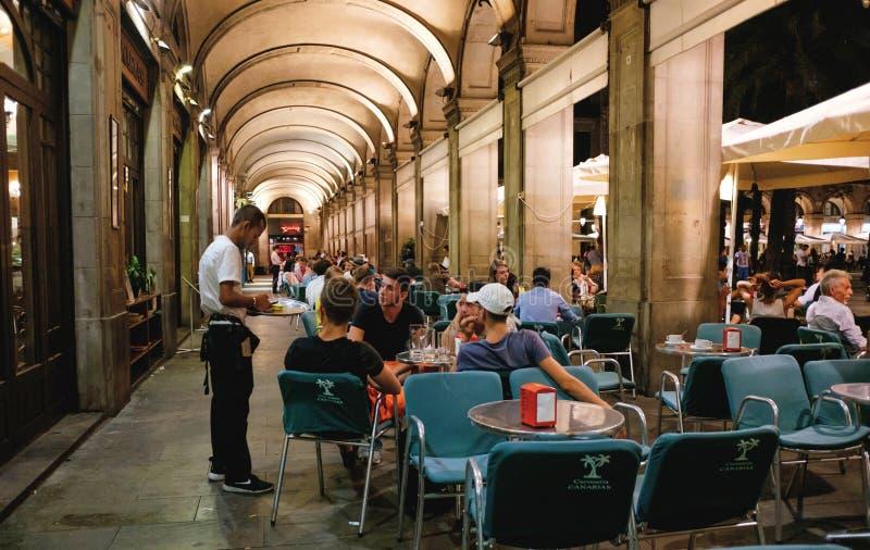 Restaurang Placa Reial Barcelona royaltyfria bilder