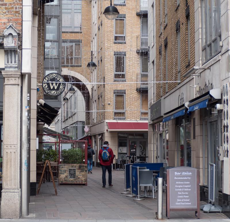 Restauranger och kaféer på den Ormond kajen i Dublin, Irland royaltyfri bild