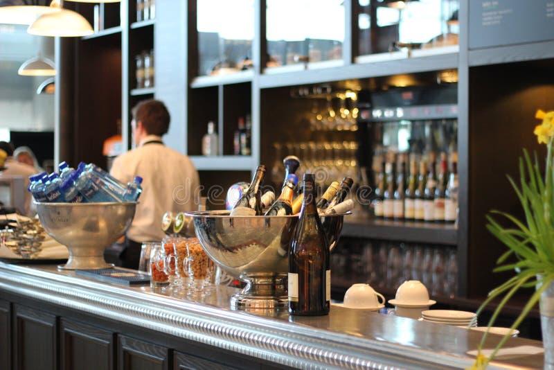 Restaurant, barre, dinant  photographie stock