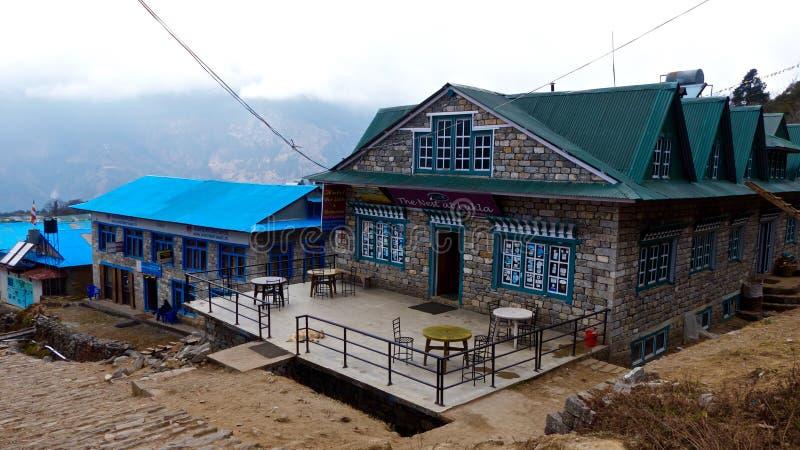 Restaurant dans Lukla, manière au camp de base d'Everest photo stock