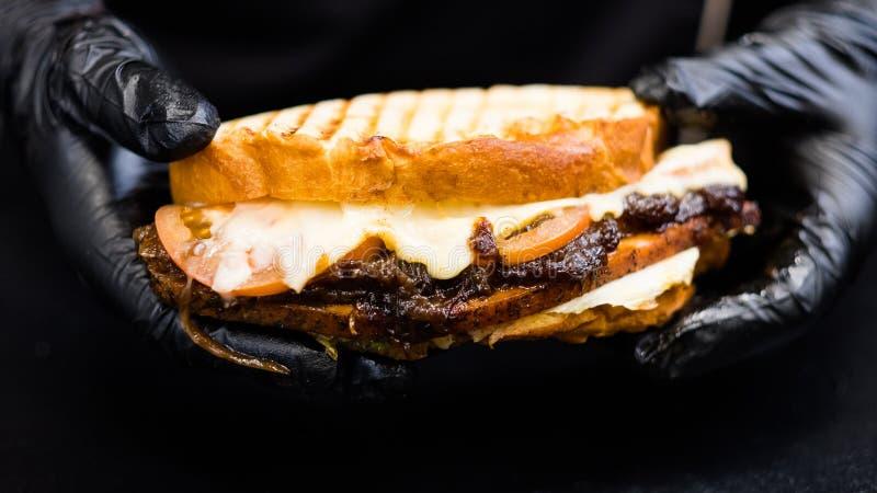 Restaurant de grillades sandwich à la noix de dinde fumée photos stock