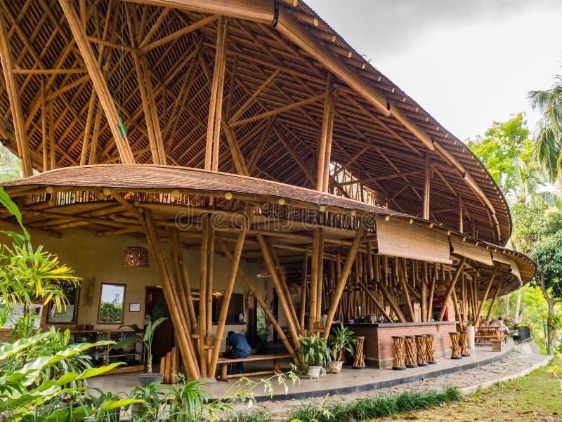 Restaurant de Kapal Bambu dans Ecolodge Bukit Lawang, Indonésie photographie stock libre de droits