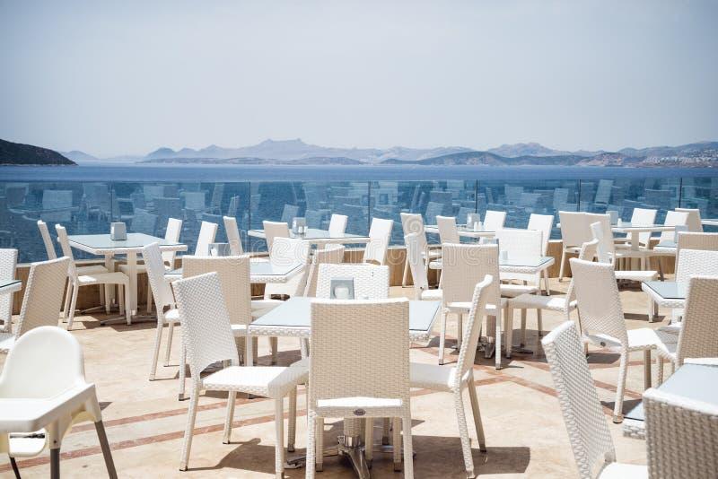 Restaurant de vue de mer images stock