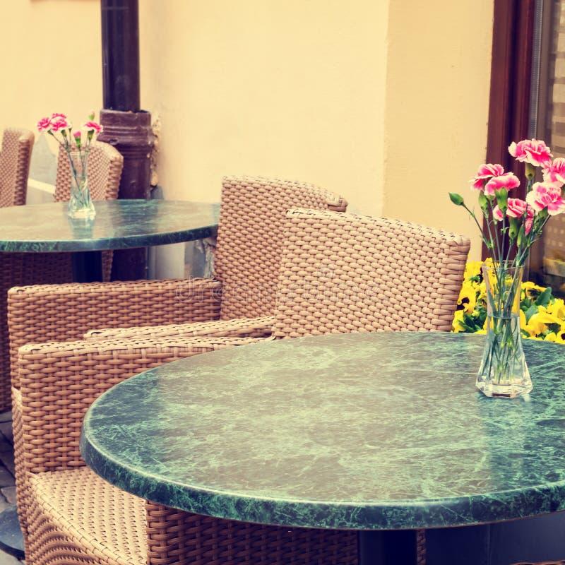 Restaurant der Weinlese im Freien lizenzfreie stockbilder