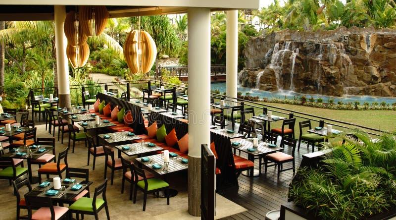 Restaurant die - Radisson Blu Fiji dineren stock foto