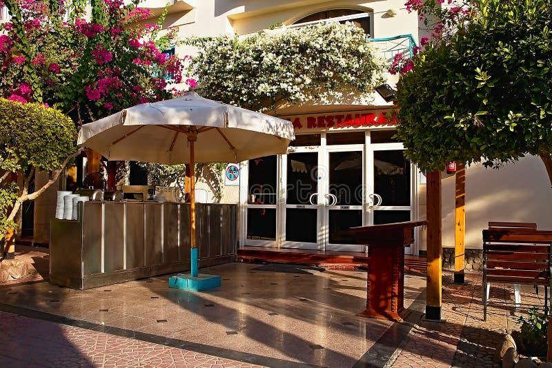 Restaurant für Gäste bei Bella Vista Resort in Hurghada lizenzfreie stockfotografie