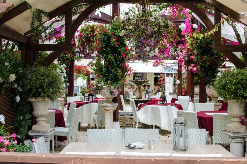 Restaurant im alten gewonnen von Villamoura, Algrave, Portugal stockbilder
